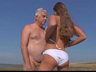 Big Titty Teen Fucks Wrinkled Oldman On The Beach Txxx Com